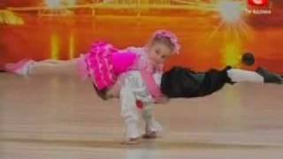 5 year old amazing dancers - must see this wonderful dance