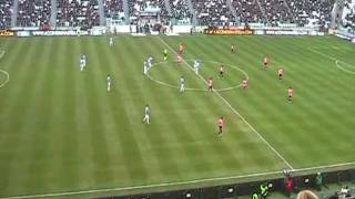 18/12/2011 - Campionato - Juventus-Novara 2-0, il gol di Pepe ripreso dagli spalti