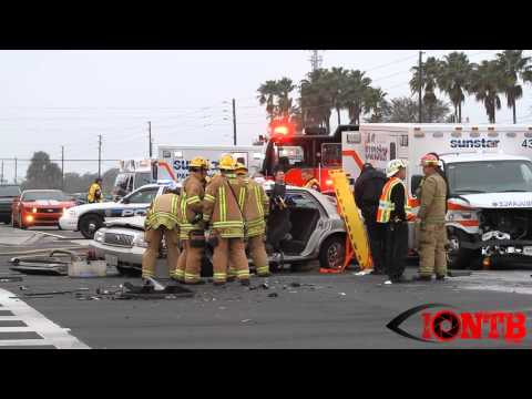 Rescuers respond to Fla. ambulance crash