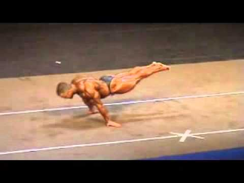 a super heavyweight bodybuilder does full planche. impressive as, Muscles