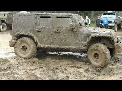 New Jeep Rubicon tearing it up in the mud. 2012 Oregon Mud Fest.