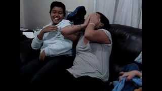 Torcedora dorminhoca levando susto!!! view on youtube.com tube online.