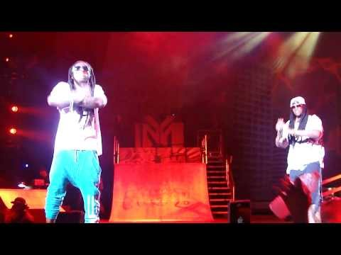 Lil' Wayne & 2 Chainz performs Days and Days / Bandz A Make Her Dance live @ AMW Festival.[HD]