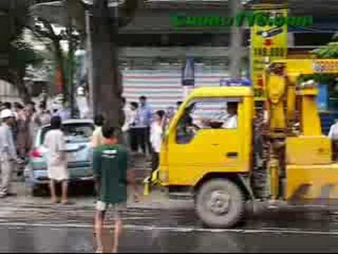 Sirous Acident Get vs 24 ton dump truck