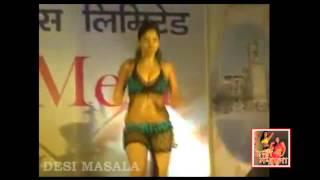 Hot Bhojpuri Stage Arkestra Dance On Remix Song