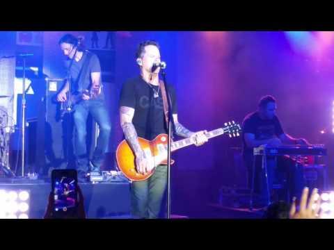 Gary Allan - It Ain't The Whiskey - Helotes, Texas