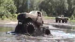 Mudding Trucks NJ Mud Fun Dirty Monster Bog Pit 4x4