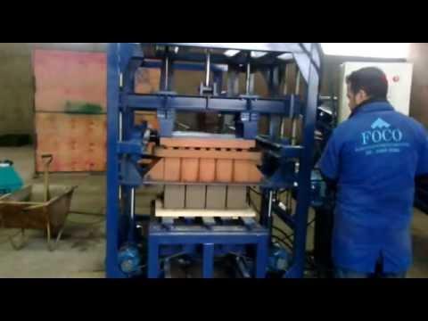 FOCO - Máquina de Blocos de concreto Hidráulica
