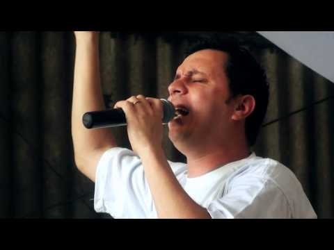 Show Nando Mendes com a Cruz da Jornada - Diocese de Santo Amaro