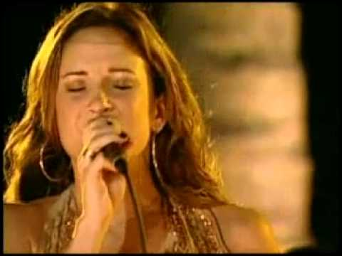 Cláudia Leite e Jammil - Chuva Na Janela & Bizarre Love Triangle