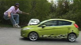 Hao123-Ran over by Ford Fiesta?! - Joe Penna
