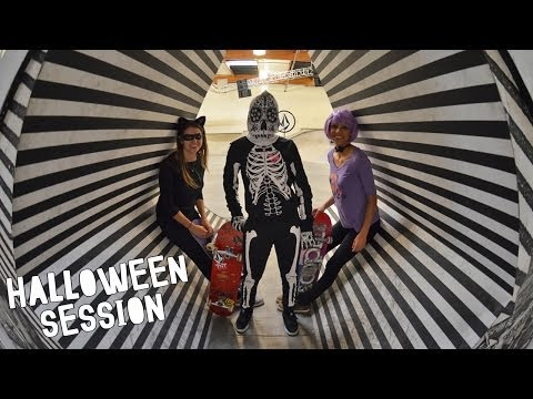 Halloween Session with Leticia Bufoni, Nora Vasconcellos & Eliana Sosco
