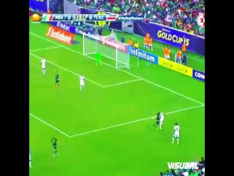 Pha đi bóng kỹ thuật của Jesus Corona (FC Twente-Mexico)