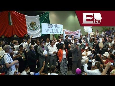 Tamaulipecos marchan e ingresan al Congreso de Tampico para exigir seguridad/ Pascal Beltrán del Río