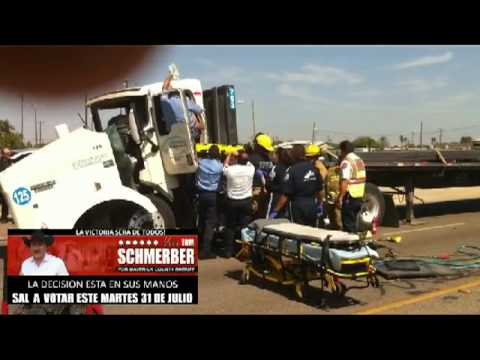 accidente tractor trailer veterans loop