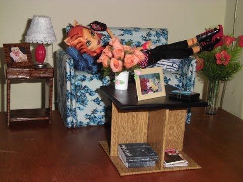 Como fazer uma mesa de centro para boneca Monster High, Pullip, Barbie e etc