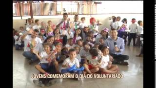 No Dia da Doa��o, 28 de agosto, grupo de adolescentes visita creche