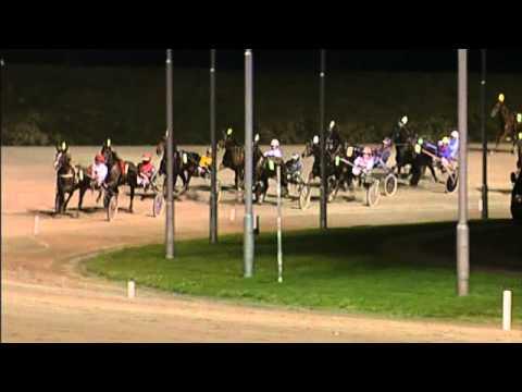 Vidéo de la course PMU PRIX UNE DE MAI (TROTTEUR FRANCAIS LADY CHALLENGE)