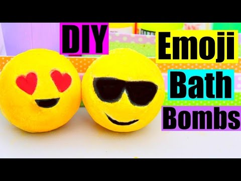 DIY EMOJI BATH BOMBS!