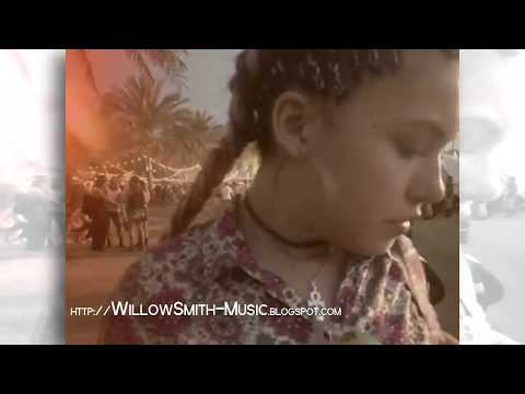 Willow Smith - Vídeo Personal con amigos #1