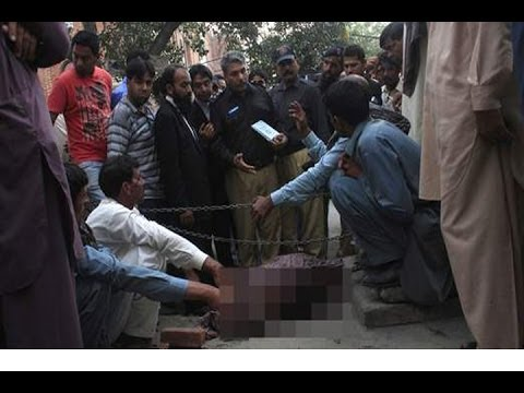 Pakistani PREGNANT Woman Farzana Iqbal STONED To Death By Own Family!!!