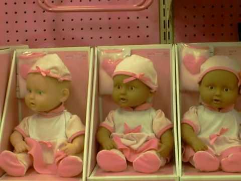Muñecos diabolicos en Target / Evil dolls