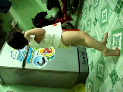 Bé gái 3,5 tuổi nhảy như người lớn (Xuka)