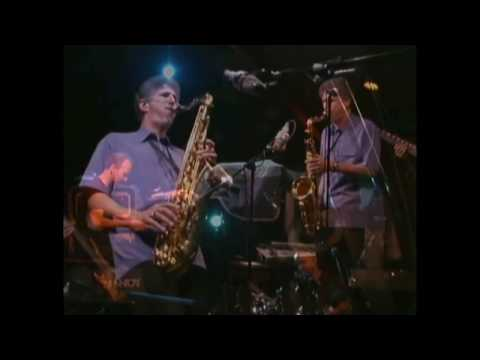 Bob Mintzer and the Yellowjackets – Les Is Mo