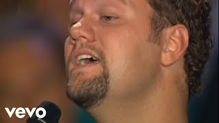 Bill & Gloria Gaither - O Holy Night (Live) ft. David Phelps