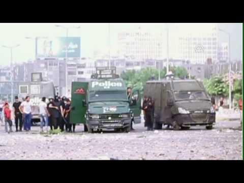Anadolu Agency - The Police Intervention Moments at at Cairo's Rabaa al-Adawiya Square