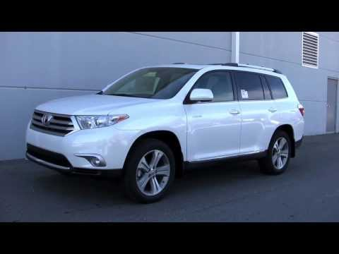 The 2013 Toyota Highlander is better than 2013 Honda Pilot Oxmoor Toyota of Louisville