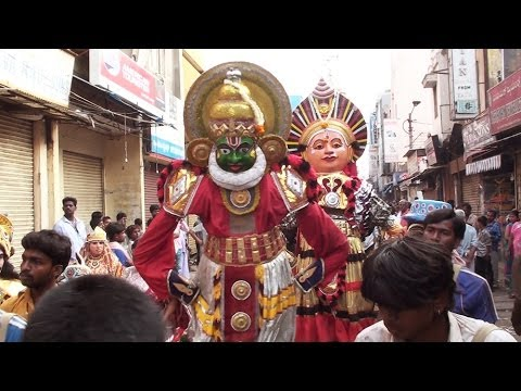 Beautiful Folk Dance in Bangalore Streets