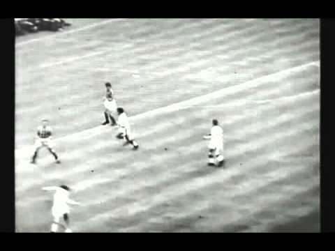 Bobby Charlton vs Aston Villa (1957)