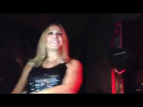 Anitta - Beijinho no ombro e medley com participação de Susana Vieira, Thiago Fortes e Gominho