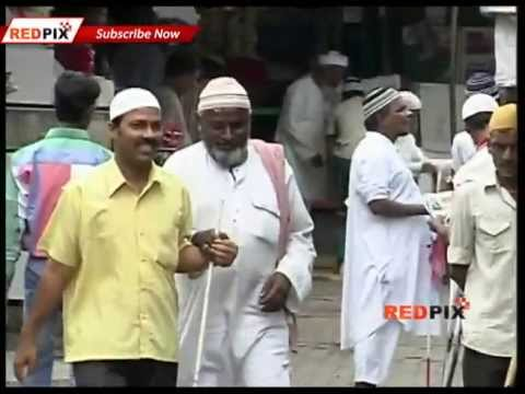 Muslims-Modi,  Mumbai Muslims Pay for Modi on his birthday- Red Pix
