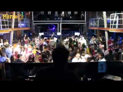 Cafe Mambo Goa: Lets get it started in here
