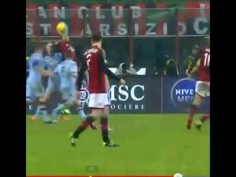 [Epic]Giampaolo Pazzini knocked down Torino player,bicycle kick # Big Fail #[HD]