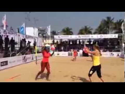 Serena Williams and  Victoria Azarenka play beach tennis | pt.1