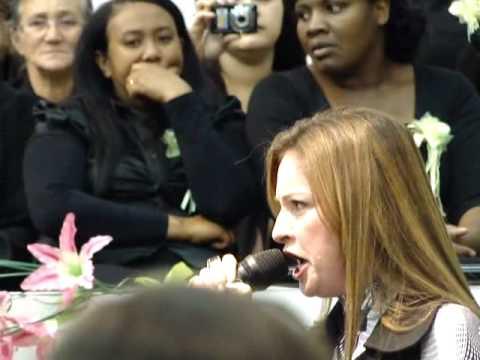 Lauriete canta Sete trombetas em Campinas/SP