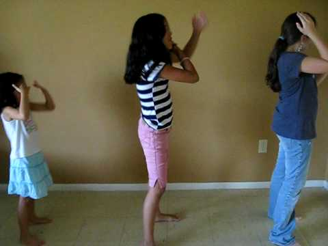 how to dance the macarena on youtube