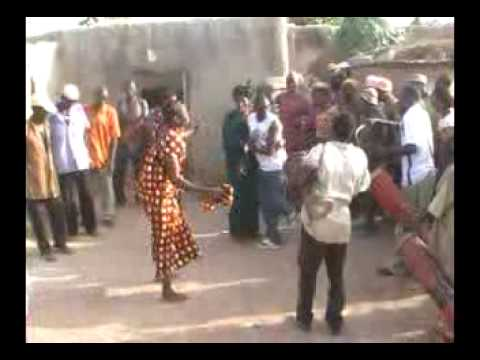 Danses nuni du Burkina Faso, village de Tita-NAPONE