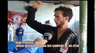Jovem deficiente de Carmo da Mata sonha em ser campe�o de jiu-jitsu
