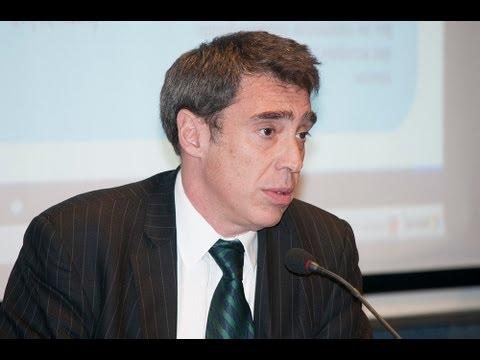 Elecciones 2013: exposici�n de Santiago Corcuera