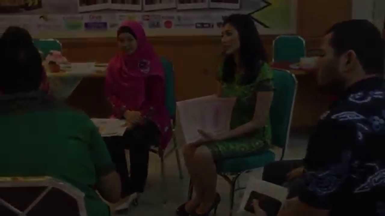 Finalis Abang None Jakarta Timur 2014 - YouTube