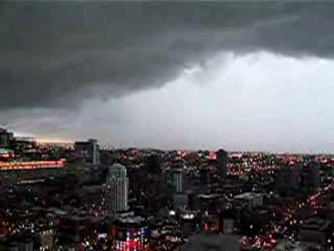 Tornado Warning High Above Downtown Chicago - YouTube