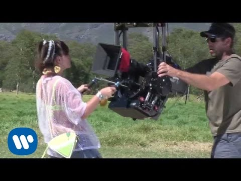 Lily Allen - Air Balloon (Behind The Scenes)