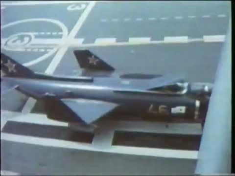 YAK-38 máy bay phản lực cất hạ cánh THẲNG ĐỨNG đầu tiên của Nga (Liên Xô)