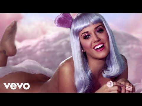 Katy Perry - California Gurls ft. Snoop Dogg