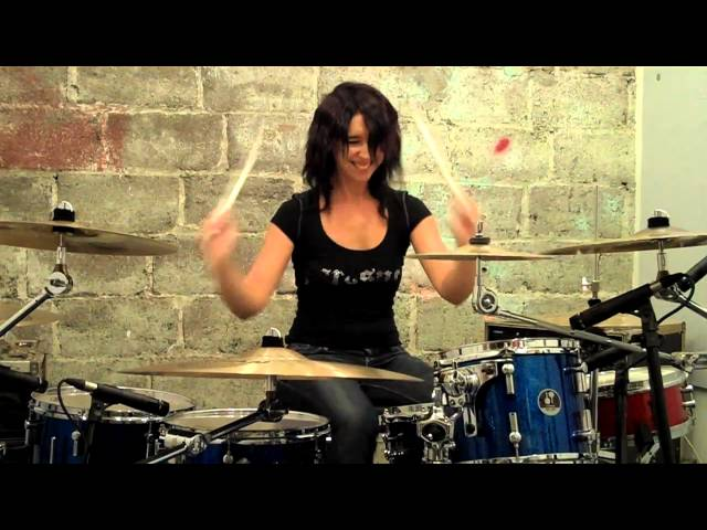 Emmanuelle Caplette On Drum 2010: Free Your Mind