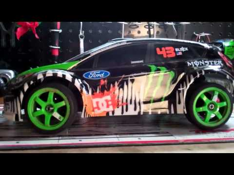 Review on Ken Block FORD FIESTA Gymkhana 1/16